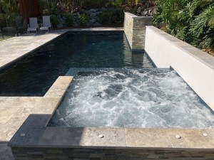Black Glass Pebble Concret Pool With Spa Silver Travertine Tiles IMG 0157