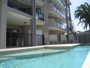 Pool in apartment block pictures 17 -4-12 205